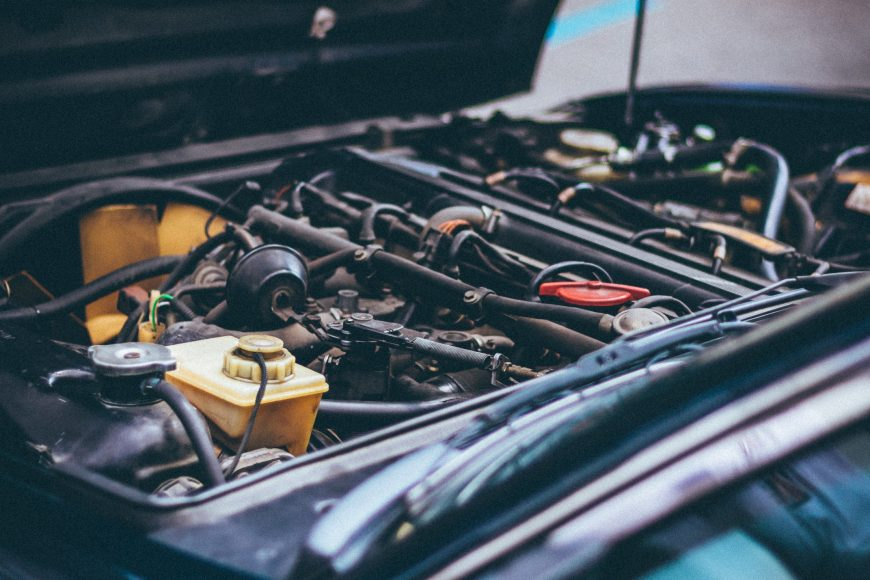 5 Signs that Your Car May Need Engine Repair